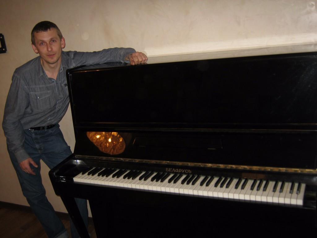 """Черное пианино """"Белорусь"""" 1972 года выпуска"""