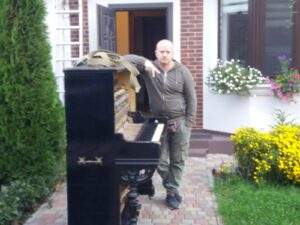 Перевозка пианино с краном