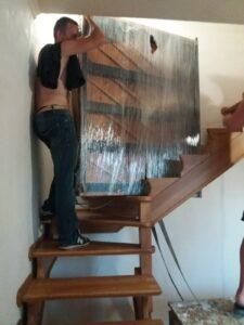 подъем пианино на этаж по винтовой лестнице